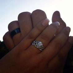 """verragio """"insignia 7040"""" - beautiful, even like the round stone in this. Kind of obsessed with it- lexi"""