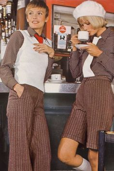 Vintage Fashion vintage everyday: 50 Awesome and Colorful Photoshoots of the Fashion and Style Trends 60s And 70s Fashion, Retro Fashion, Vintage Fashion, Seventies Fashion, Womens Fashion, Cheap Fashion, Vintage 70s, 70s Outfits, Vintage Outfits