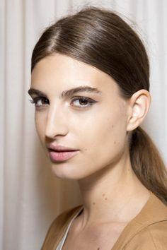Chez Gucci, on rêve toutes des sourcils broussailleux de Cara Delevingne.© Imaxtree