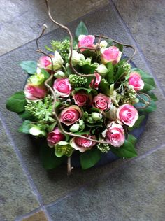 Unique Flower Arrangements, Funeral Flower Arrangements, Unique Flowers, Flower Centerpieces, Love Flowers, Silk Flowers, Flower Decorations, Wedding Centerpieces, Table Decorations