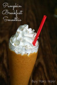 Delicious and healthy Pumpkin Breakfast Smoothie with Banana. from www.BusyMomsHelper.com #recipe #pumpkinrecipe #pumpkin #smoothie #breakfast