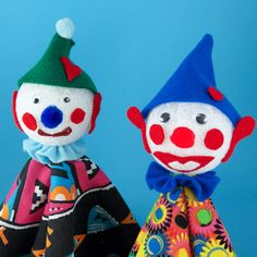 Aunt Annie has fun making clown puppets with foam ball heads. You can, too!