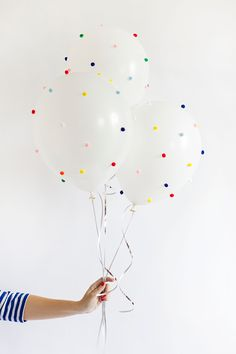 How to make easy DIY Pom Pom & Funfetti Balloons for your next birthday party.