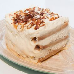 60 recettes de Tiramisu sucrés. Crémeux et gourmand, ce dessert italien à base de mascarpone et de biscuits à la cuillère se décline à l'envi. Classique, en verrine, au chocolat ou aux fruits : choisissez le vôtre !