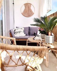 Boho balcony with woolen hoop, size dark beige Small Porch Decorating, Small Balcony Decor, Diy Bedroom Decor, Wall Decor, Home Decor, Wool Wall Hanging, Balkon Design, Outdoor Sofa, Outdoor Decor