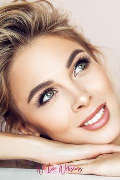 We gingen speciaal voor jou op jacht naar 10 make-up merken die make-up verkopen op natuurlijke basis. Een musthave als je niet zomaar iets op je huid wilt smeren maar zeker wilt weten dat het goed is. Deze merken en meer tips en tricks voor make up op natuurlijke basis vind je op We Love Webshops! #welovewebshops #makeup #beauty #beautytips #makeuptips #natuurlijkemakeup #makeuptrend #beautytrend #beautyinspiratie #makeupinspiratie #skincaretips #beautyblog #beautylover #beautyjunkie Mascara, Make Up, Beauty, Mascaras, Makeup, Beauty Makeup, Beauty Illustration, Bronzer Makeup
