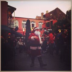 Santa takes a break to visit Pat O' Briens in NOLA!