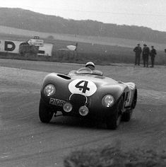 The 12 Hours of Reims Vintage Auto, Vintage Racing, Vintage Cars, Sports Car Racing, Auto Racing, Race Cars, Jaguar, Mouth Breather, Classic Sports Cars