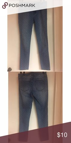 Forever 21 polka-dot jeans Forever 21 skinny jeans with white polka-dots. In excellent condition, worn once!! Size 28 Forever 21 Pants Skinny