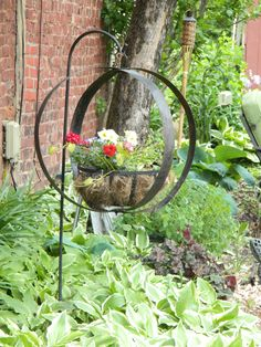 Awesome 37 Elegant Diy Wine Barrel Ring Ideas For Amazing Home. Wine Barrel Garden, Wine Barrel Crafts, Wine Barrel Rings, Garden Crafts, Garden Art, Garden Design, Porch Garden, Garden Ideas, Patio