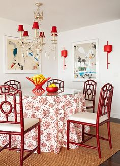 Mix and Chic in #red and #white #diningroom