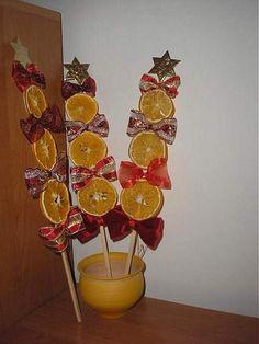 Pin by Hana Havlínová on Christmas Kids Christmas Ornaments, Christmas Art, Christmas Holidays, Christmas Wreaths, Christmas Decorations, Pinterest Christmas Crafts, Xmas Crafts, Fall Crafts, Diy And Crafts