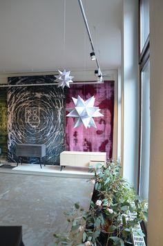 KOLO Präsentation am Schottenring 31 im Schauraum #möbel #kolo #furniture #design #designer #tischler #tischlermeister #showroom Ladder Decor, Designer, Modern, Home Decor, Furniture, Hand Knotted Rugs, Vintage Rugs, Fiction, Trendy Tree