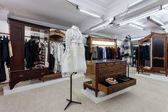 La nouvelle boutique Dover Street Market sur Haymarket à Londres Restaurant Rose, Boutique Dior, Dover Street Market London, Visual Management, London Location, Retail Windows, Moving House, New Market, Second Floor