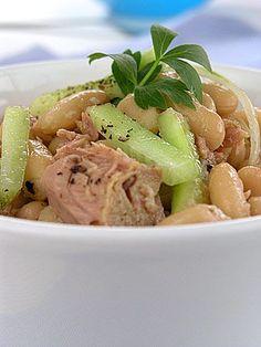 Bardzo szybka sałatka z fasoli i tuńczyka Appetizer Salads, Appetizers, Pasta Salad, Potato Salad, Food And Drink, Beef, Chicken, Cooking, Ethnic Recipes