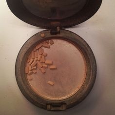 All you do is pour a few teaspoons of plain ol' rubbing alcoholover the cracked make-up. (Isopropyl Alcohol Stir and break up the chunks until all the makeup is dissolved. Set out on a flat surface overnight. The alcohol dries up and you're left with perfect and fresh makeup