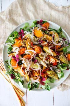 Salat Med Bagte Gulerødder, Kartofler Og Ristede Solsikkekerner (One Kitchen - A Thousand Ideas Dairy Free Recipes, Veggie Recipes, Gourmet Recipes, Salad Recipes, Healthy Recipes, Healthy Dishes, Healthy Meals For One, Healthy Eating, Salads