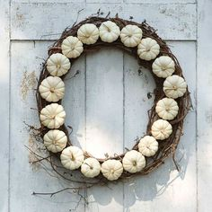 Unique Easy to Make Wreaths Design ~ http://www.lookmyhomes.com/easy-to-make-wreaths/