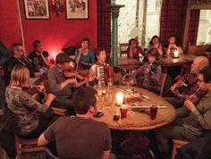 Scottish music is not just pipes #viski #whisky #whiskey #malt #blended #bourbon #burbon #scotch #tadim #viskitadimi #maltingunu #meleklerinpayi #whiskyporn #whiskylove #whiskygram #dram #InstaDram #whiskycollection #whisky_droid #whiskytasting #whiskywednesday #viskisever #VisitScotland #MPGezi