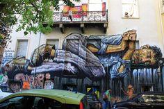 Μιλήσαμε με τον Street Artist που Έφτιαξε την «Κουκουβάγια του Μεταξουργείου» - VICE