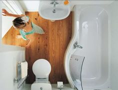 Small bathroom tub 5 Tips for Space Saving & Spacious Feeling Tiny Bathrooms~~ can i has that bathtub? Tiny Bathrooms, Tiny House Bathroom, Compact Bathroom, Bathroom Small, Basement Bathroom, Attic Bathroom, White Bathroom, Bathroom Interior, Modern Bathroom