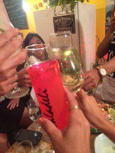 BrindemoS ao inesperado e Ao amor !!