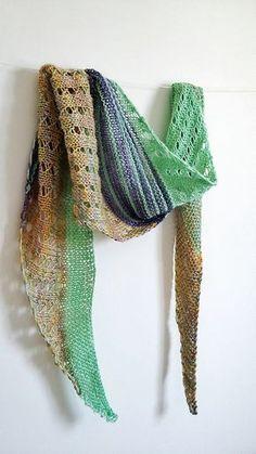 free pattern on Ravelry: Debut shawl pattern by Katiuscia Bayslak - The Yarn Juice