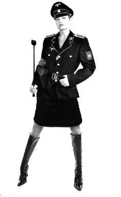 Fräulein Swastika