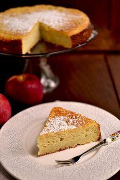 Soft Ricotta and Apple Cake