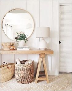 Kitnet & Studio Decoration: Designs & Photos - Home Fashion Trend Style At Home, Home Decor Bedroom, Entryway Decor, Entryway Ideas, Hallway Ideas, Narrow Entryway, Bedroom Ideas, Entry Foyer, Boho Living Room