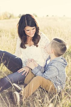 Mother and son photo shoot by Jessie  #jsartco #coloradofall #motherandson #beauty #family #jessieschoepflinphotography
