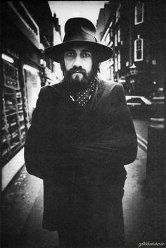 Mick Fleetwood - British musician and actor, best known for his role as the drummer and co-founder of the rock band Fleetwood Mac. Photo by Anton Corbijn. Black White Photos, Black And White Photography, Stevie Nicks Fleetwood Mac, Portraits, Band Photos, Great Photographers, Blues Rock, Music Film, Film Director
