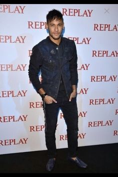 My baby at the replay event in Milan Neymar Jr, Fc Barcelona, Neymar Family, Brazilian Soccer Players, How To Be A Happy Person, Ex Husbands, Dream Guy, Replay, Football Players