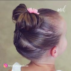 BUN TUTORIALS Messy buns are always a good idea, truth be told!Messy buns are always a good idea, truth be told! Toddler Hair Dos, Easy Toddler Hairstyles, Easy Little Girl Hairstyles, Girls Hairdos, Baby Girl Hairstyles, Kid Hair Dos, Cute Kids Hairstyles, Toddler Girls Hairstyles, Braided Hairstyles For Kids