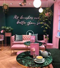 What's Hot on Pinterest: 5 Bohemian Interior Design Ideas #livingroom #livingroomideas #farmhouselivingroom #modernlivingroom