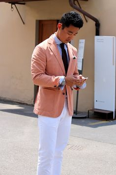 Colored linen jackets. Perfect for stylish summer wear