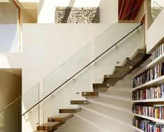 Stands out Stylish and Cool Glass Staircase with Contemporary Design