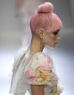 Pink bun, pink hair, hair and beauty Pink Blonde Hair, Candy Hair, Girly, Color Rosa, Great Hair, Top Knot, Pastel Pink, Pink Yellow, Coachella