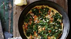Healthy breakfast: Kale and a sprinkling of crunchy seeds turn a regular egg 'n' spud tortilla into something altogether more special. Kale Recipes, Whole Food Recipes, Vegetarian Recipes, Healthy Recipes, Savoury Recipes, Recipies, Easy Cooking, Cooking Recipes, Tortilla Recipe