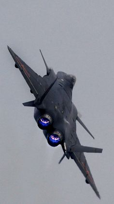 China's J-20 Stealth Fighter, black jet [Future Airplanes: http://futuristicnews.com/tag/aircraft/]