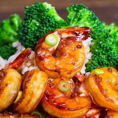 The easiest, most unbelievably delicious Honey Garlic Shrimp. And it'll be on your dinner table in just 15 minutes. Succulent shrimp marinated in honey, garlic, soy sauce and ginger mix, seared in frying pan. Ready in 15 minutes! Quick and easy shrimp recipe. Video recipe.