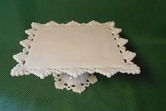 VINTAGE MILK GLASS CAKE STAND..WESTMORELAND RING AND PETAL..1950'S..EXCELLENT