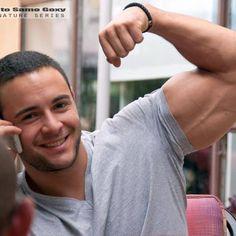 Milan Savic - Serbian / Puerto Rican Bodybuilder Puerto Rican Men, Serbian, Puerto Ricans, Hot Boys, Milan, Bodybuilding, Muscle, The Incredibles, Hot Men