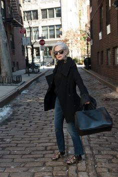 Professor becomes a model after reporters MISTOOK her for fashion icon Message: Slater has fought back against the fashion industry's ageism and the idea that people should stop wearing what they want after they reach a certain age Mature Fashion, Over 50 Womens Fashion, Fashion Over 50, Cheap Fashion, Fashion Women, 50 Style, Style Icons, Moda Tribal, Fashion Beauty