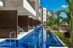 Hotelli Hideaway at Royalton Riviera Cancun - Kuvia ja videoita Royalton Riviera Cancun, Honeymoon Hotels, Mansions, House Styles, Outdoor Decor, Manor Houses, Villas, Mansion, Palaces