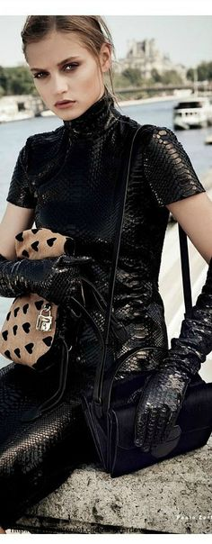 Burberry Fashion Mode, High Fashion, Womens Fashion, Wild Child, Leather And Lace, Black Leather, Leather Gloves, Leather Pants, Skin Photo