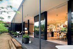 Apart Hotel Clara / Elenberg Fraser Architecture