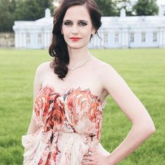 — Eva photographed during the Mariinsky Ball of the Montblanc White Nights Festival {#evagreen}