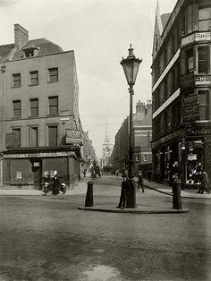 Looking down Brushfield Street towards Christ Church , London 1912