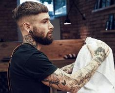 Finding The Best Short Haircuts For Men Crop Haircut, Fade Haircut, Beard Haircut, Best Short Haircuts, Haircuts For Men, Men's Haircuts, Hair And Beard Styles, Curly Hair Styles, Easy Mens Hairstyles